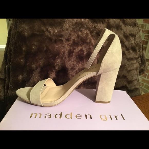 73b7bcc567e842 NEW Steve Madden Bella nude open toe heel